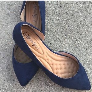 Nature Breeze Navy Blue Pointed Toe Flats